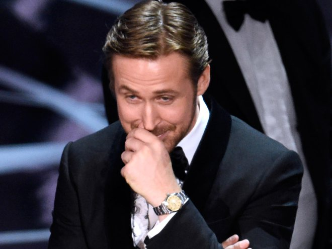 Ryan Gosling explains why he laughed during that huge #Oscars mix-up:...