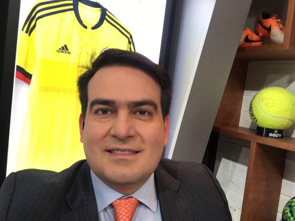 Hoy @KickOffWIN @WinSportsTV #ConLaTricolorPuesta https://t.co/ClerCBy...