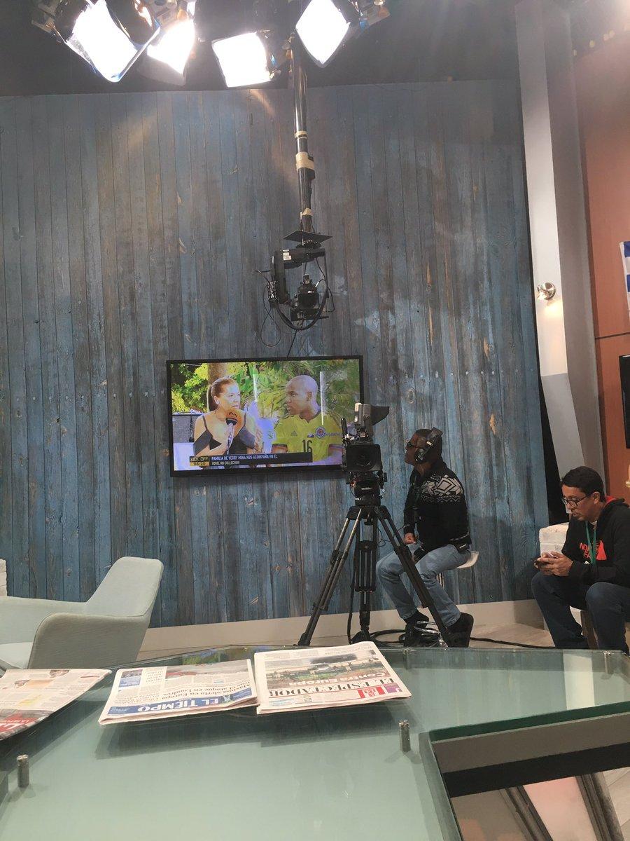 Nos visita la familia de Yerry Mina @KickOffWIN @WinSportsTV #ConLaTri...