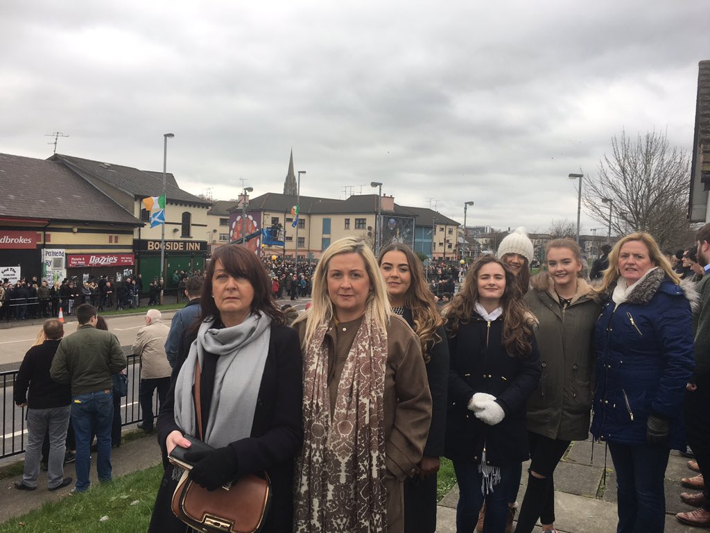 Newry/south Down mourners waiting adjacent to #FreeDerry on Martin&#39;s funeral cortège #Chief <br>http://pic.twitter.com/H2q8xTs5aj