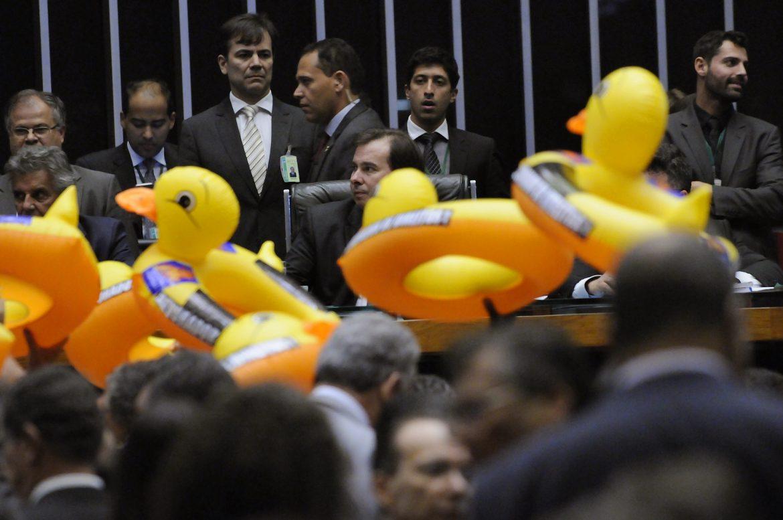 PT votou contra #terceirização; veja quem votou a favor https://t.co/3...