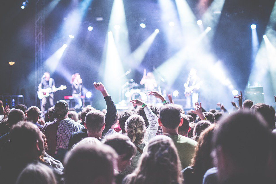 Le festival @Aucard_de_Tours dévoile sa programmation. Il y en aura pour tous les goûts #electro #rock #reggae ►  http:// bit.ly/2nrFE6n  &nbsp;  <br>http://pic.twitter.com/eDfb8aclCz
