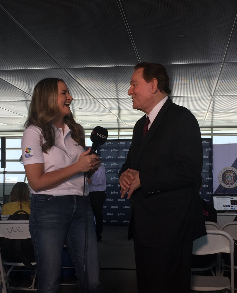 #LleganLosNuestros @DeborahWAPA con la leyenda del periodismo deportiv...