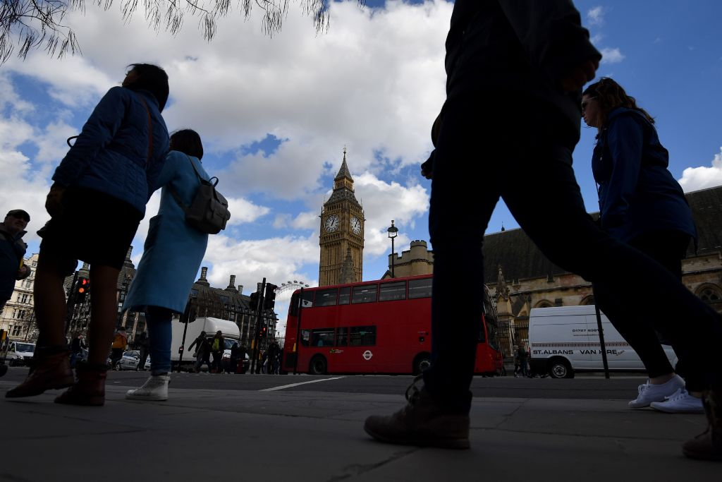 #AttentatLondres : l'identité du #terroriste établie  http:// fr.azvision.az/news/37700/att entat-de-londres--l%E2%80%99identit%C3%A9-du-terroriste-%C3%A9tablie.html#.WNPvZ5_CAMQ.twitter &nbsp; …  #KhalidMasood #WestminsterAttack #londres<br>http://pic.twitter.com/QX4cEuXqZL