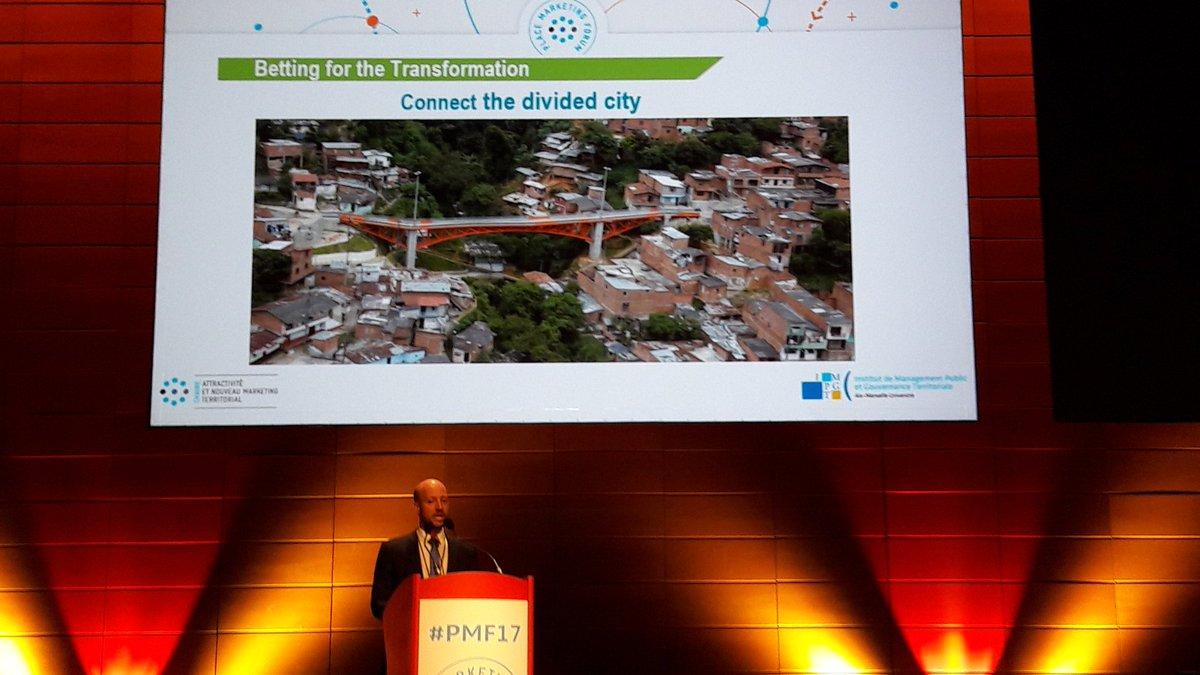 Carlos Alvarez nous exposé toutes les transformations de #Medellin #markterr #urbanism #resilience #innovation sociale #PMF17 @ChaireANMT<br>http://pic.twitter.com/T6WmVbCz2l