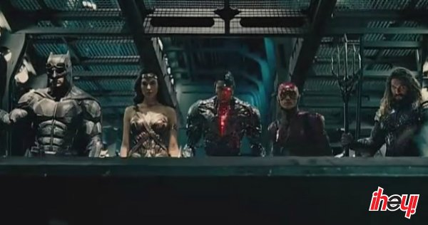 🎥 Lanzan nuevo póster de #JusticeLeague https://t.co/hM8124GJSO #Unite...