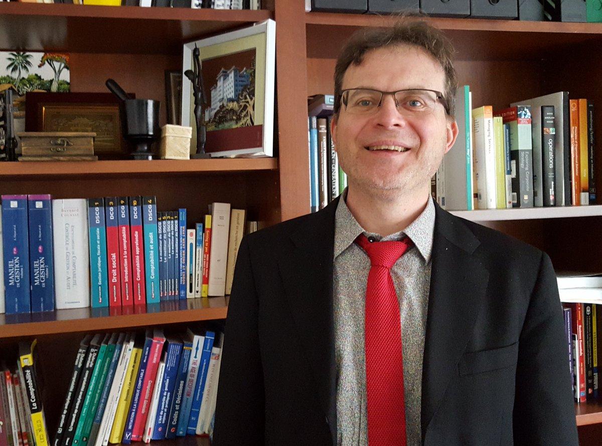 2/3 Nicolas Antheaume Directeur @DG_IAEnantes est aussi Vice-Président Relations Internationales de @IAEFRANCE Présent à #IAE #China #Alumi<br>http://pic.twitter.com/839I3JptDg