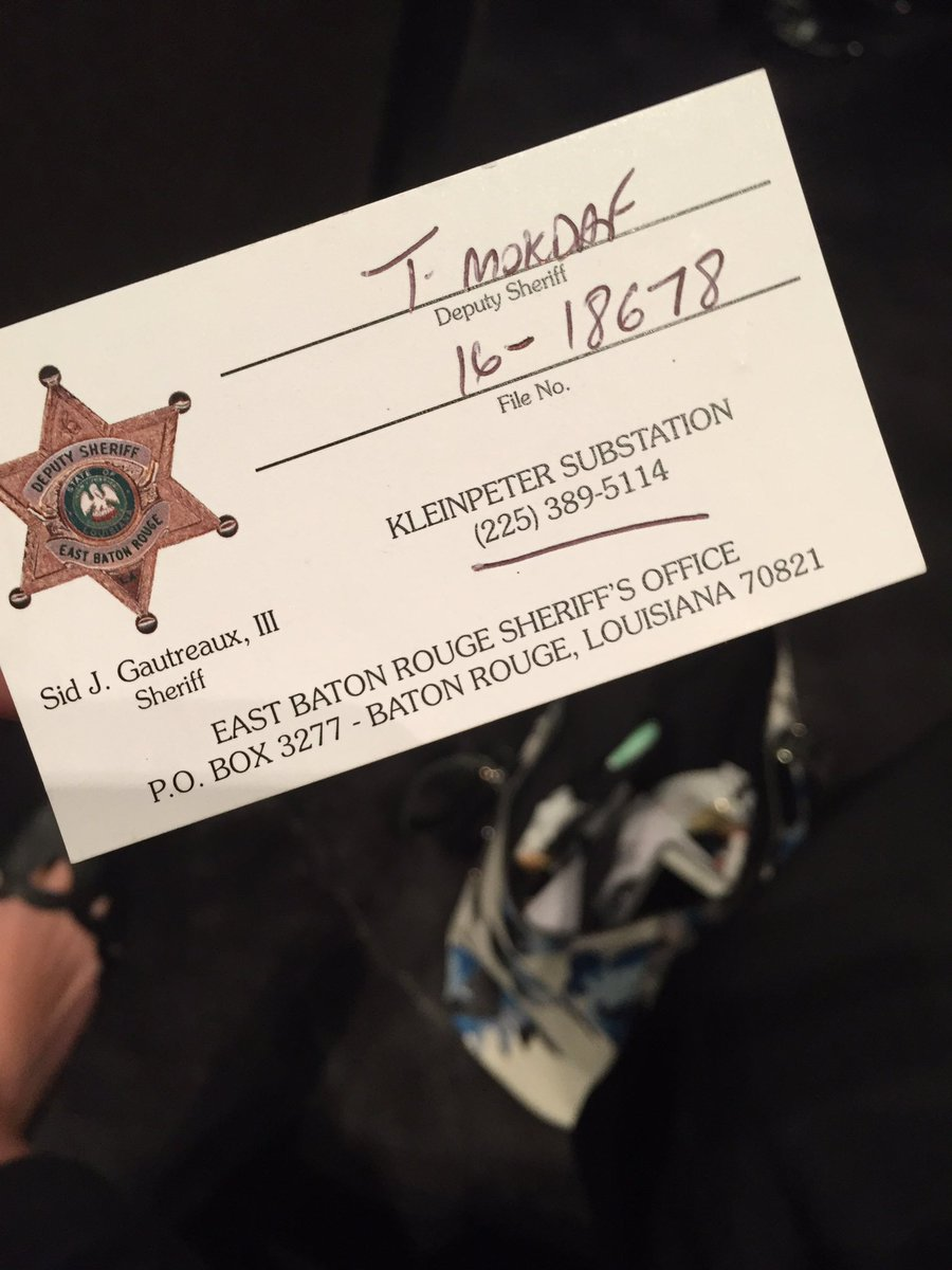 Grace toohey on twitter laura walsh the woman whose baby was the woman whose baby was delivered by sgt anderson is here she still carries around the card w his name she got that night httpstru7y9a7av1 magicingreecefo Image collections