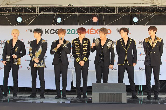 [] #KCONMEXICO FAN ENGAGEMENT   #몬스타엑스 #MONSTA_X #1 #아름다워 #BEAUTIFUL   http://www. kcon.tv/blog/kcon-mexi co-day-2-gallery/1078 &nbsp; … <br>http://pic.twitter.com/dS6IoEEcL6