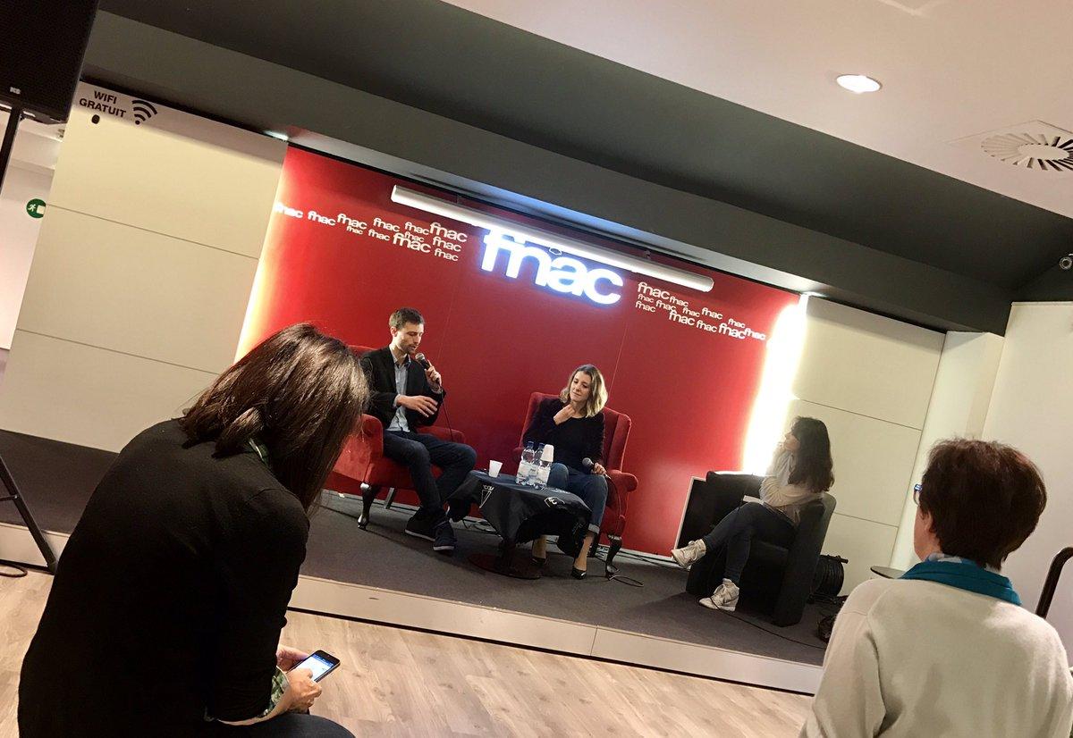 Présentation de @LenferdeBercy à la #FNAC ... #Bercy ! Hasard ? ... @MarionLHour  @FredericSays<br>http://pic.twitter.com/DC1yuoDPXf
