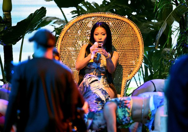 Nicki Minaj is sending warning shots on David Guetta's 'Light My Body...