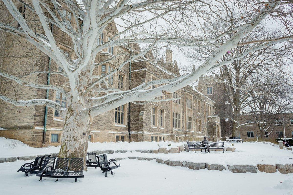 Back when campus was a #WinterWonderland... <br>http://pic.twitter.com/Q2sjxLYRQw
