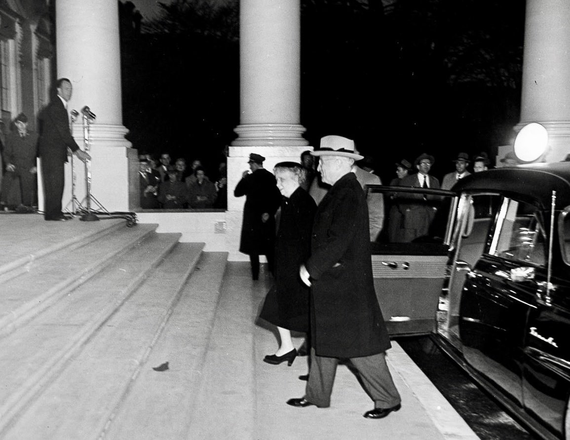 16c55eff65c86 Bess   Harry Truman return to White House after 3 year gut-reconstruction
