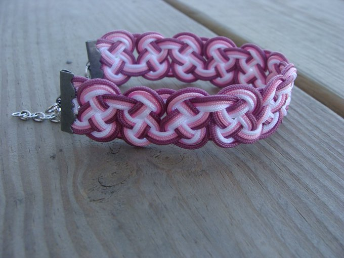 Knotted bracelet- chinese knotting cord- Ombre knot- adjustable bracelet- mauve pink white bracelet- gift for her- birthday gift-