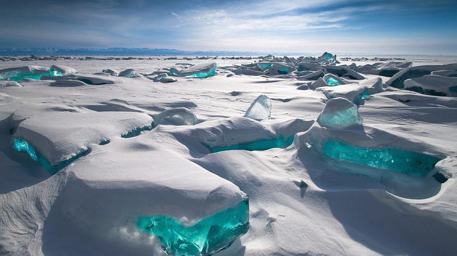 Sibérie : du #golf sur le lac Baïkal !  http:// crwd.fr/2msp4ie  &nbsp;   &quot;Russie<br>http://pic.twitter.com/x9b2sv7BVA