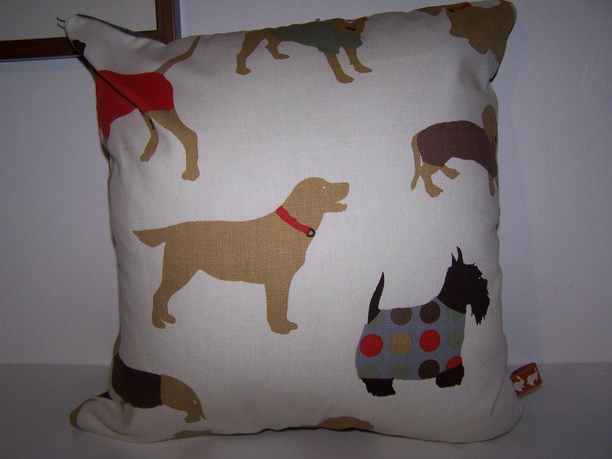 Funky dog print cushion #handmade #onlinecraft #epiconetsy #britcraft #doglovers #dogs #homedecor  https://www. etsy.com/uk/listing/254 950085/dog-cushion-labrador-scottie-dog-gift &nbsp; … <br>http://pic.twitter.com/6jVclhIVHe