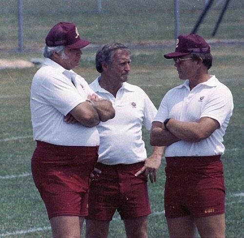 1970s Baseball On Twitter Those Shorts Are Great At Hooters On