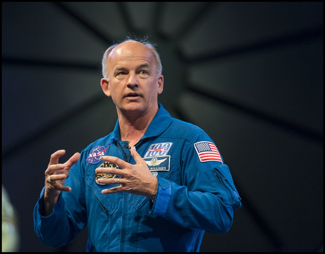 NASA #AstroJeff spoke about his time onboard the #ISS at #SmithsonianA...