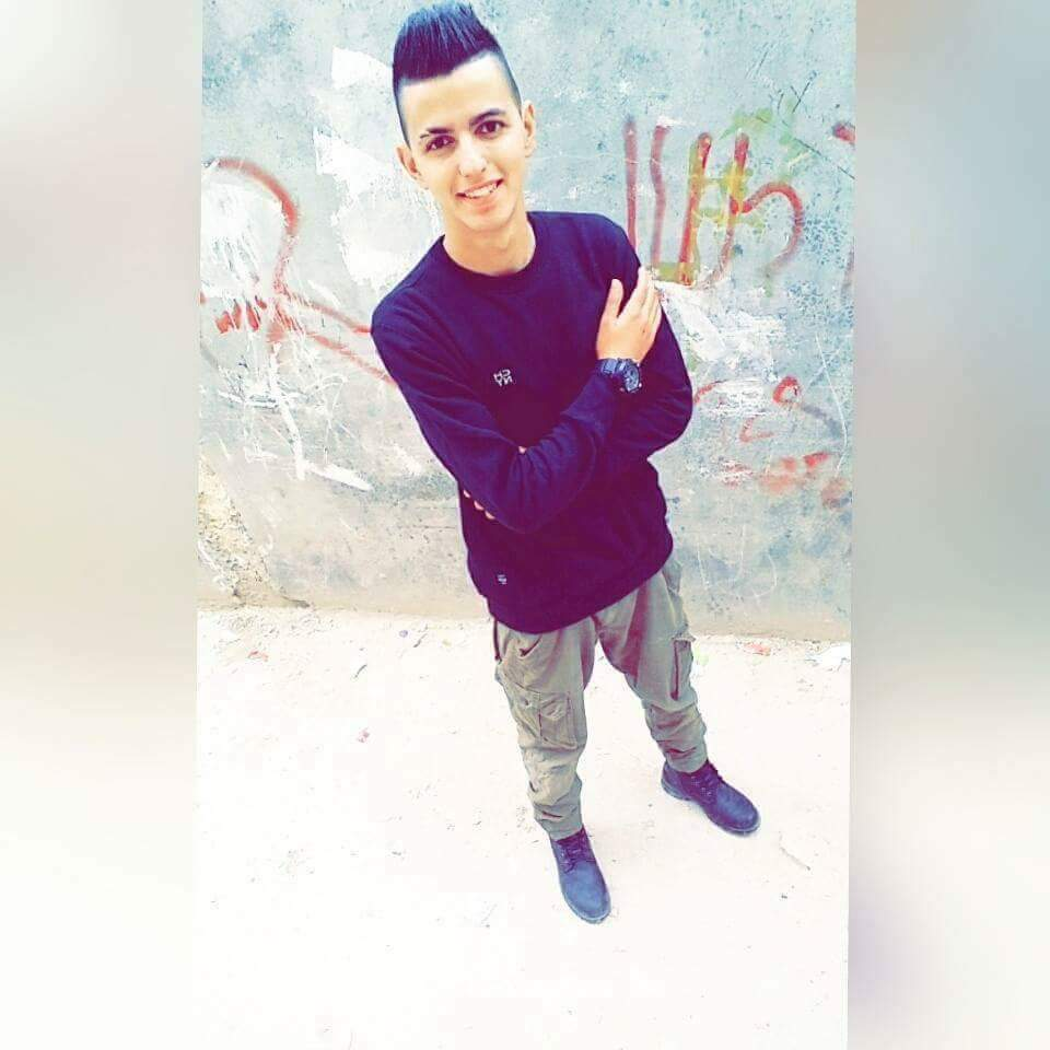 Mohammad Hatap, 17, executed in cold blood by Israeli soldiers near Jalazone camp this night ! #Palestine <br>http://pic.twitter.com/XEdXBxQNEx