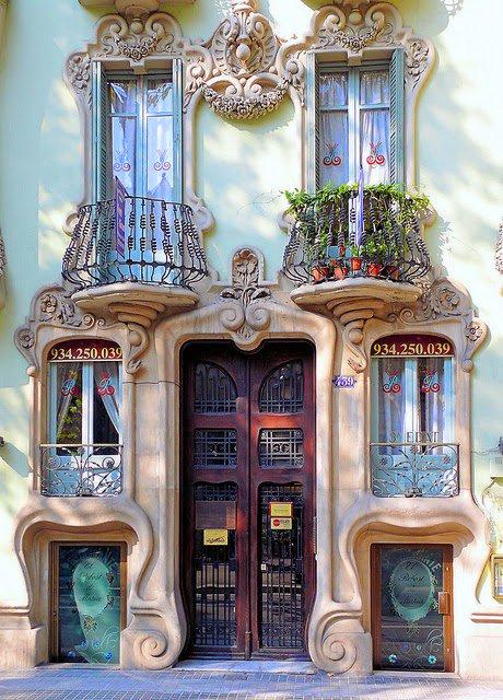 Preciosa⚘ ..Casa Pere Brias. #Barcelona. <br>http://pic.twitter.com/QPf6cMKKLp