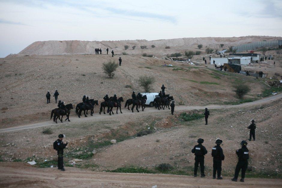 The dispossessed –  http:// mondoweiss.net/2017/03/the-di spossessed/ &nbsp; …  via @Mondoweiss #Palestine #Israel #Bedouin #UmmalHiran<br>http://pic.twitter.com/tq4CqkcVod
