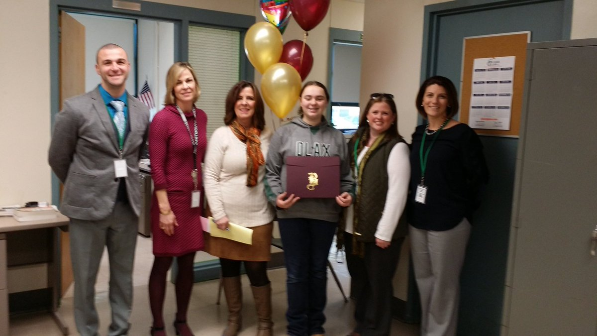 Congrats to Olivia Lake from Dartmouth on her acceptance to BA. Ms. Cronin Mrs. VanRotz &amp; Mr. Braga surprised her at DMS today #BAPride #PTO <br>http://pic.twitter.com/Zqfs94GZBt