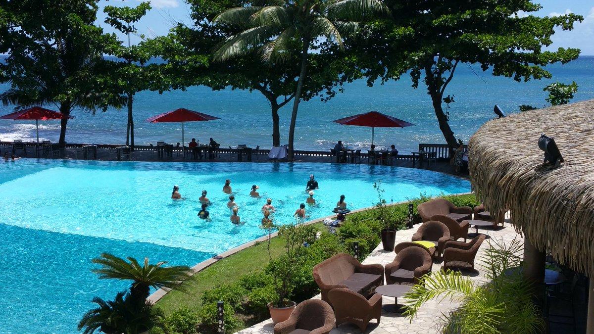 Encore une belle journée d&#39;aquabiking au @TahitiPearlBR ! #aquabiking #tahiti #sun #sport<br>http://pic.twitter.com/ZeZ6CQsm08