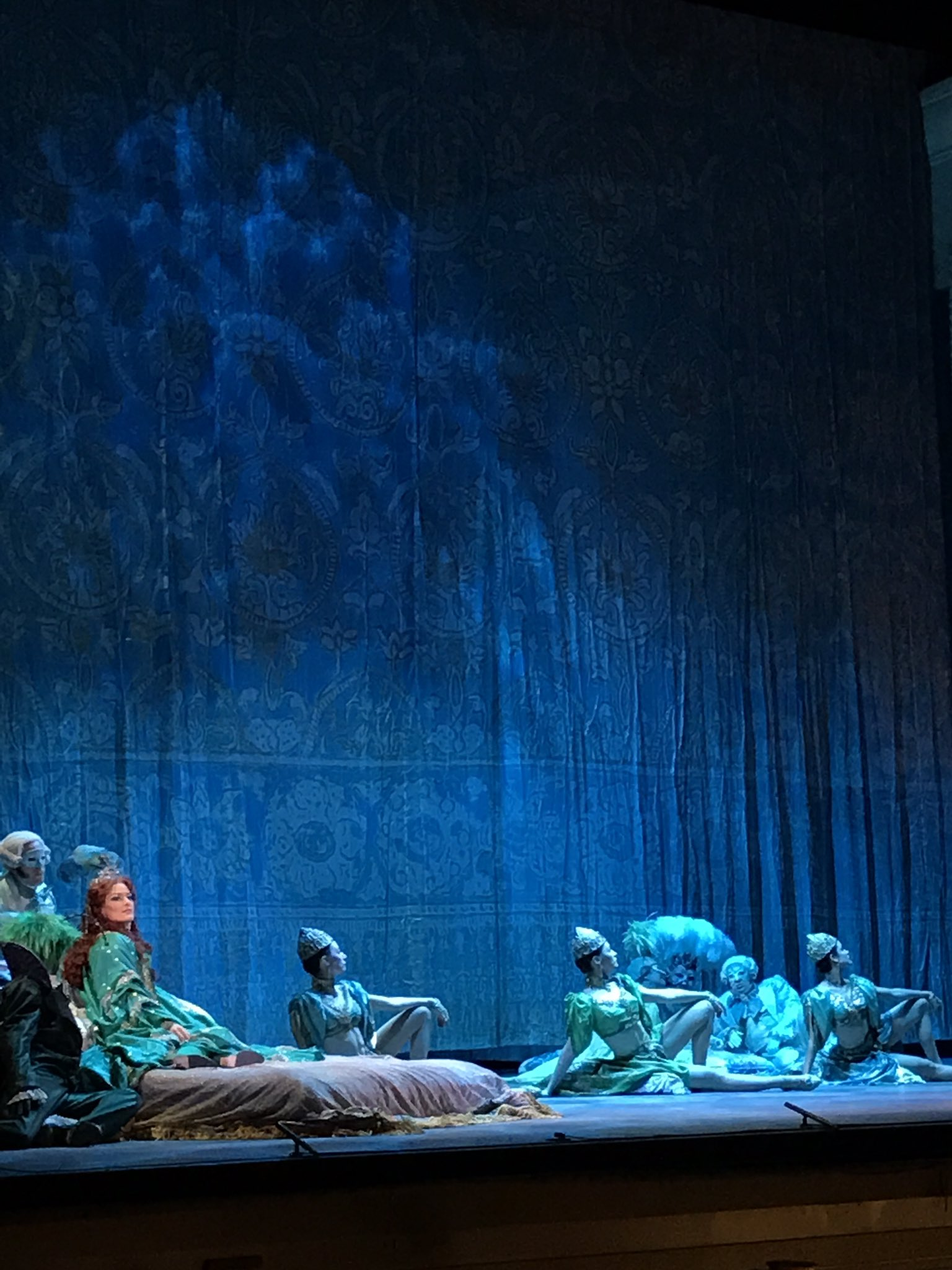 Another gorgeous scene. What will happen? @LAOpera #talesofhoffmann https://t.co/tOtNJjRxod