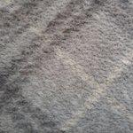 ①ふわふわが死んでしまった毛布や絨毯、ぬいぐるみのボア素材はありませんか?②そんなときは!百均にもあ…