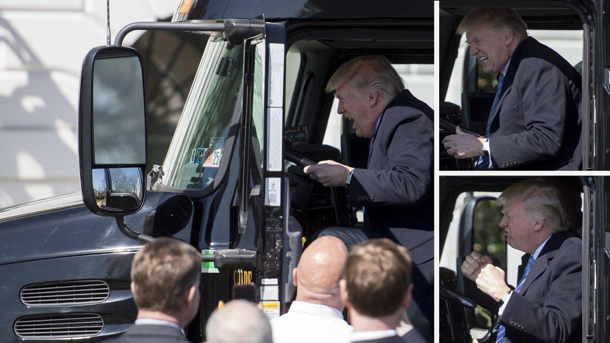 (Le Huffington Post ) Ces photos de #Donald #Trump qui fait mumuse dans un gros camion..  https://www. titrespresse.com/30373641612/do nald-trump-mumuse-camion-valent-detour-nement &nbsp; … <br>http://pic.twitter.com/UaiJA9dLwD