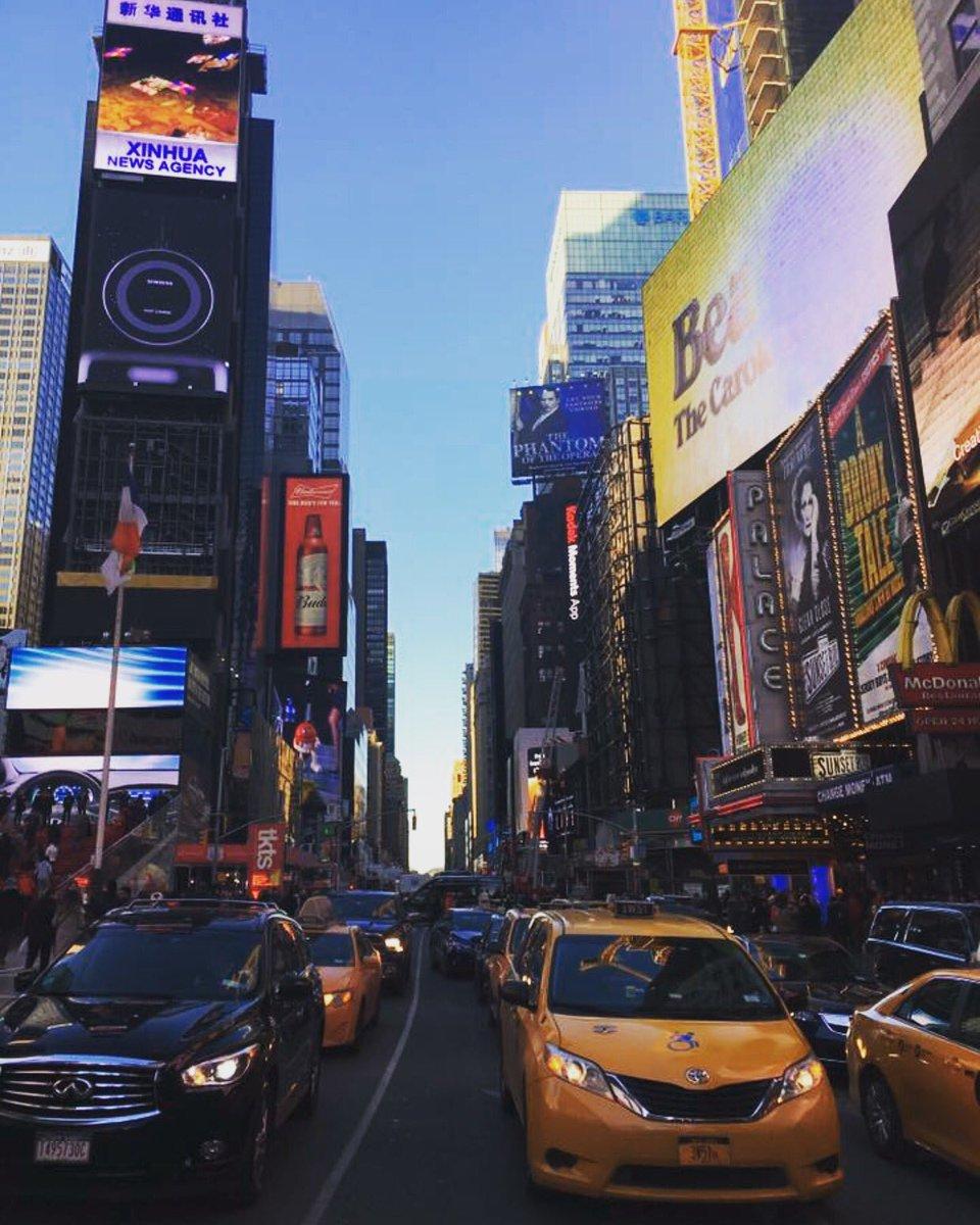 Times Square  #timessquare #newyork #brightlights #bigcity<br>http://pic.twitter.com/KsWmyN71N3