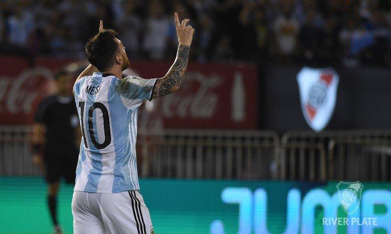 "River Plate on Twitter: ""Lionel Messi, de penal, marcó el primer gol de @Argentina ante Chile en el Estadio Monumental.… """