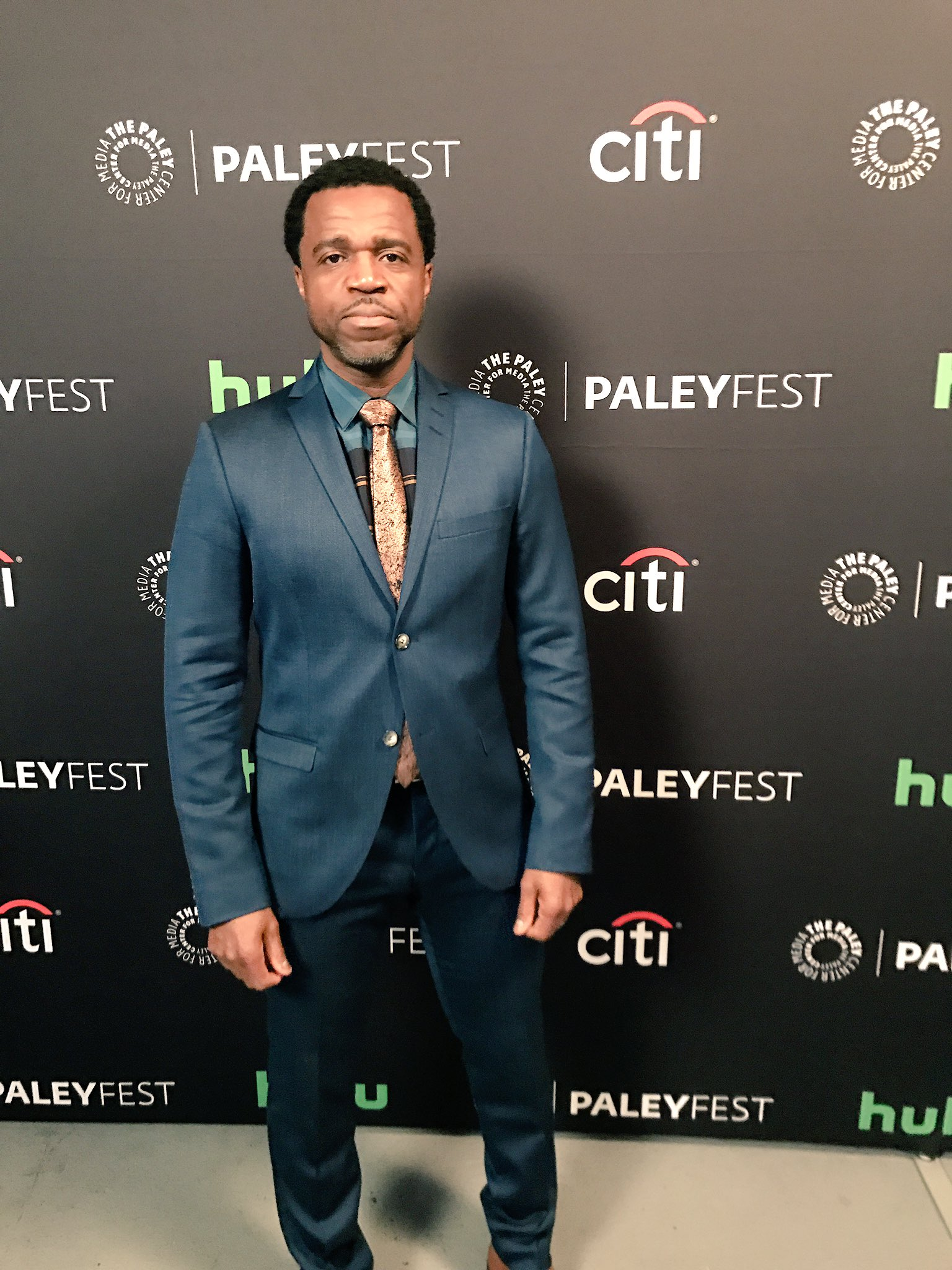 It's Detective Art! Aka Kevin Hanchard - he suited up for #PaleyFest and we like it! 📺🌟👍🏼#OrphanBlack https://t.co/ZodlkjU1b2