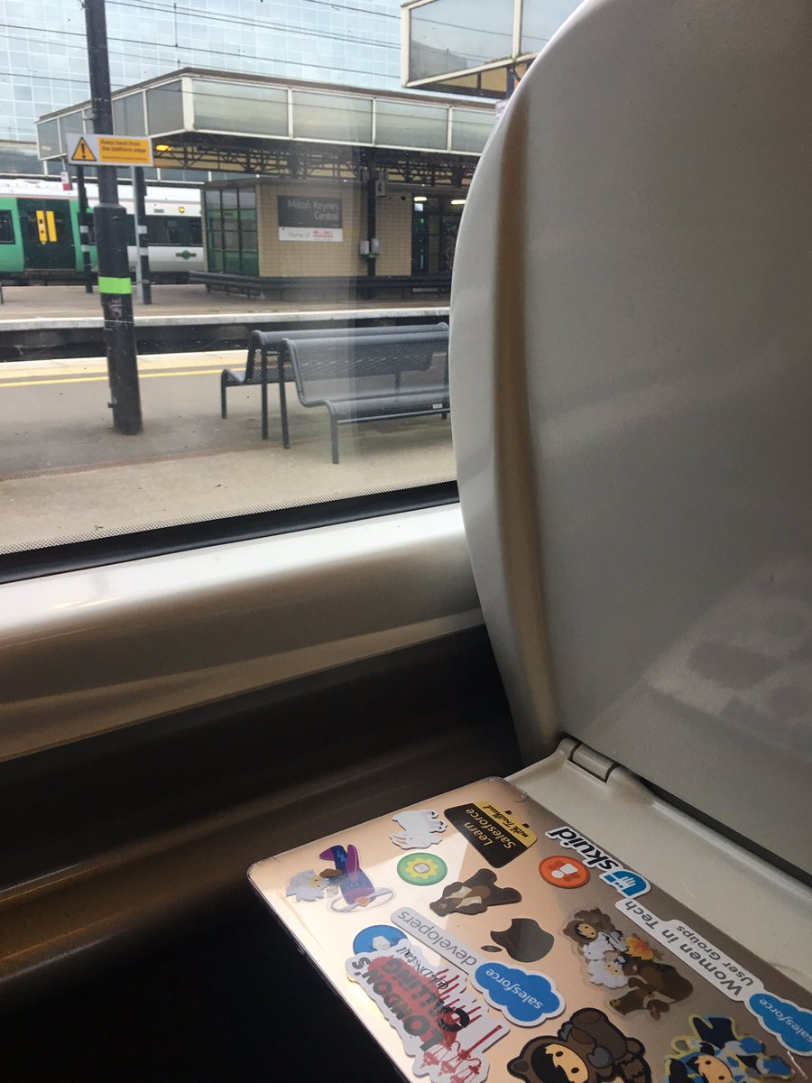 On the way to Manchester for the @macmillancancer CancerVoices Conference. See you there @Mike_Thorpe_ #NotAlone #CharityDay<br>http://pic.twitter.com/DxM7cUJHBi
