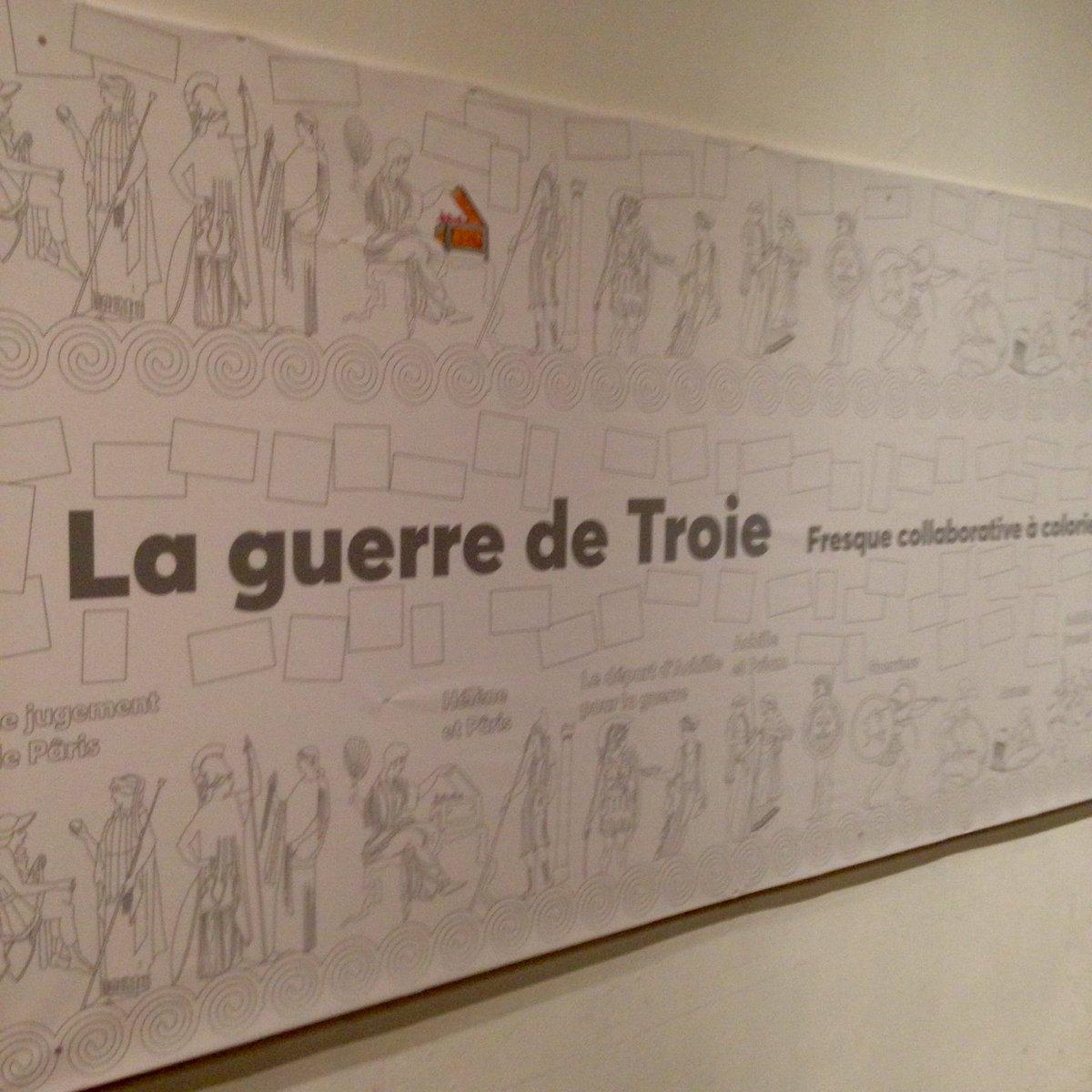 La fresque collaborative du #vasequiparle est toute neuve !  #enjoy  <br>http://pic.twitter.com/gMZaOyKfYy