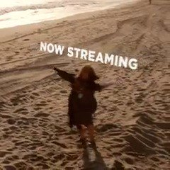 Good vibes only. Grace and Frankie is now streaming. #BeachVibes https...