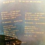 今、色んな方々の作品を歌詞カード見ながらNEVERLANDへ旅行中!!マジ、最高かよ。wBLACK …
