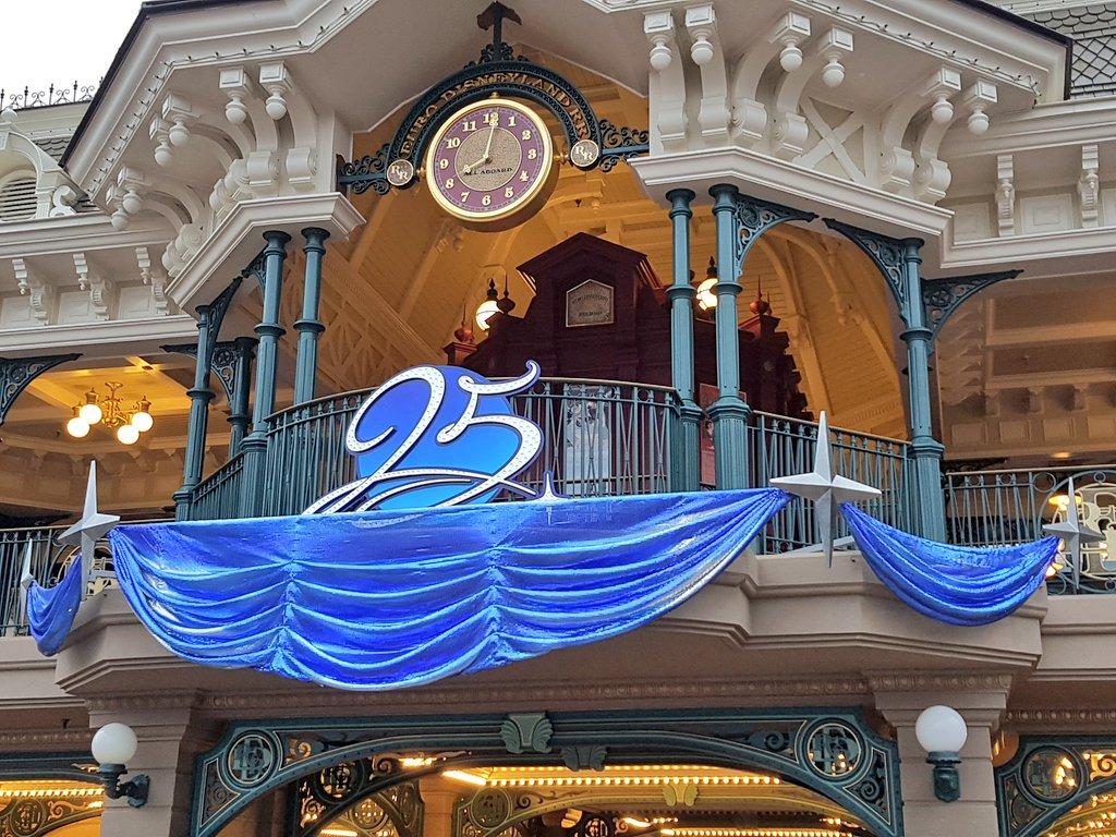 [Saison] 25ème Anniversaire de Disneyland Paris (jusqu'au 09 septembre 2018) - Page 3 C7qlWDPVMAA3OkQ