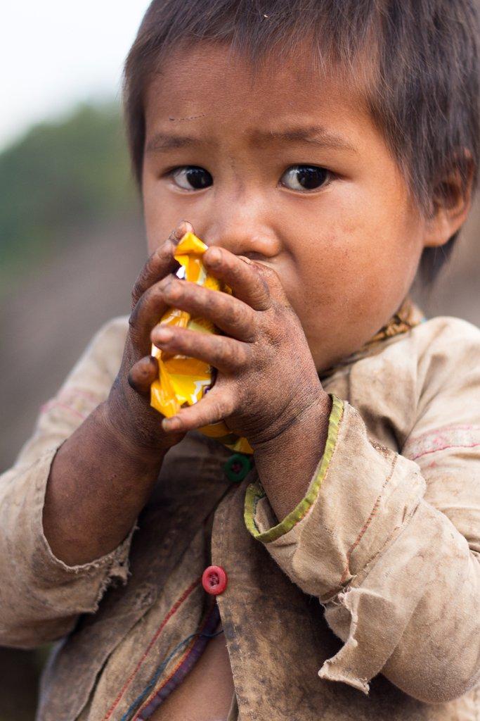 Du blanc et du bleu, rencontre avec les Lahu-Shi dans les montagnes Shan de #Birmanie -&gt;  http:// wp.me/p5itJK-3U2  &nbsp;   #Myanmar #Kengtung<br>http://pic.twitter.com/8NIo5VBRYX