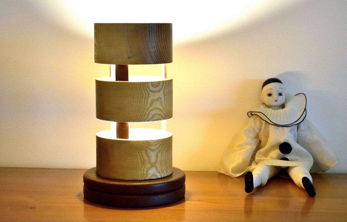 fait main, lampe éco responsable,éco design, économique,ampoules LED, finition huilée, conçue et fabriquée en France(PACA)#madeinfrance <br>http://pic.twitter.com/MOyljcdlhv