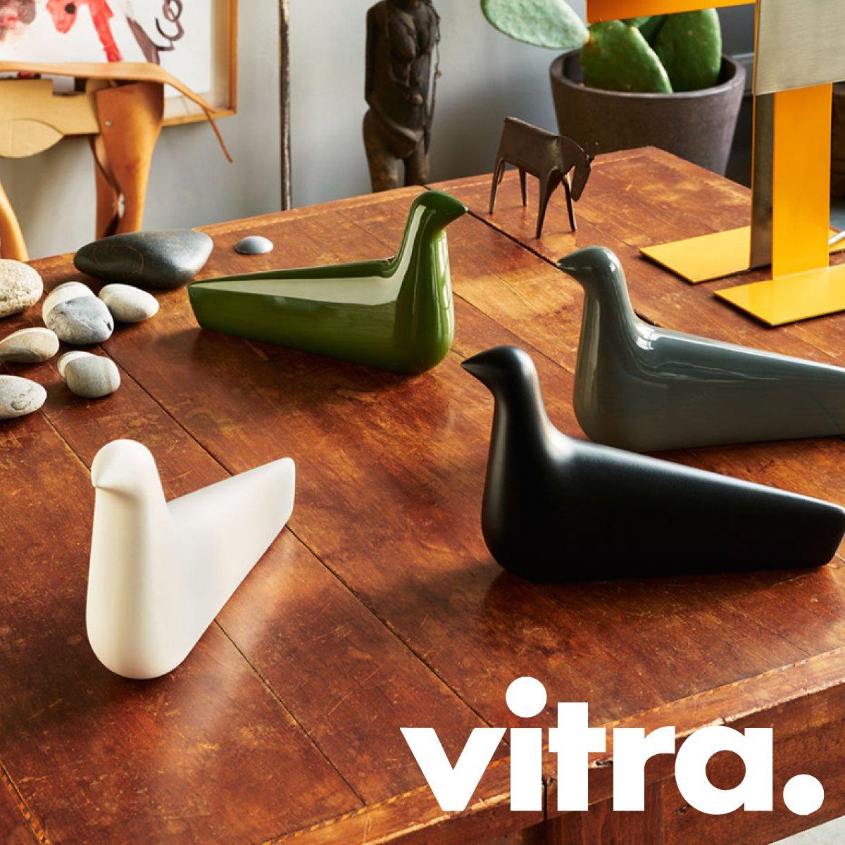 Le printemps est là et l&#39;été approche! Découvrez les nouveautés colorées @vitra sur le site -&gt;  http:// bit.ly/2myBVEN  &nbsp;   #design #new #sun <br>http://pic.twitter.com/UmYzyqSmHx