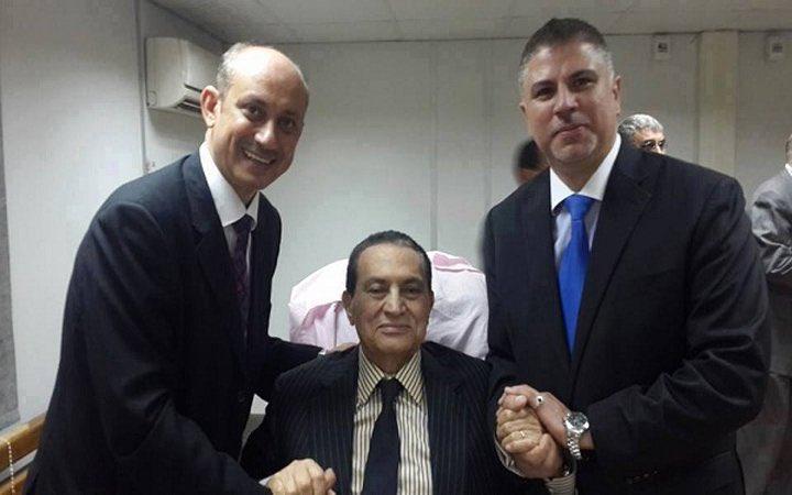 حكم نهائي ببراءة الرئيس المصري السابق حسني مبارك من تهمة قتل متظاهرين C7rNfWhXkAAoSJF