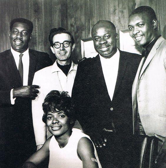#RufusThomas avec @OtisRedding, Carla Thomas, Jim Stewart, et @BookerTJones... Il aurait eu 100 ans ce dimanche !  #Funk #Soul #Stax #Sun <br>http://pic.twitter.com/8DSp7YqNsX