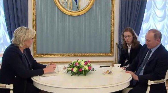 #Marine2017 c&#39;est une France  ouverte au dialogue et partenaire de la #Russie  et des #États-Unis  @MLP_officiel<br>http://pic.twitter.com/gisXx3vAej