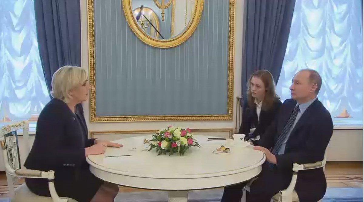#MLP à #Poutine : &quot;Les dangers terroristes frappent la #France, #Daesh vient tuer nos populations&quot;  https:// francais.rt.com/international/ 35769-russie-se-reserve-parler-avec-candidats-poutine &nbsp; … <br>http://pic.twitter.com/ZDHZpvZpAf