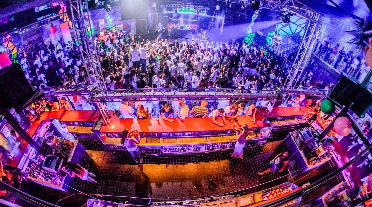 24/05/2017 : #event El Paseo 2017 #lloret By @GoldenVoyages à partir de 185€ #reservation sur @Depart1825 #clubbing #nightlife #playa #sun <br>http://pic.twitter.com/WXmadBiWwO