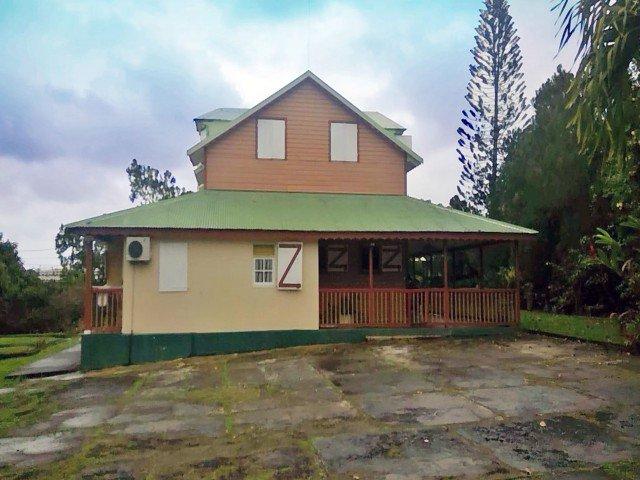 Nouveau: Vente #House #LAMENTIN 97129 - Voir le détail de l&#39;annonce :  http:// pvt.fm/p/B56814C8B082  &nbsp;  <br>http://pic.twitter.com/tPIeXi4pmZ