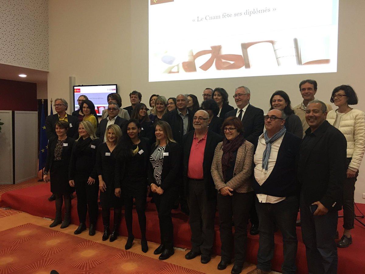 Le @CnamLR aura remis 196 diplômes qualifiants en 2016 pour 1500 stagiaires annuels avec @Occitanie @LeCnam #occitanie <br>http://pic.twitter.com/s124V86oOU