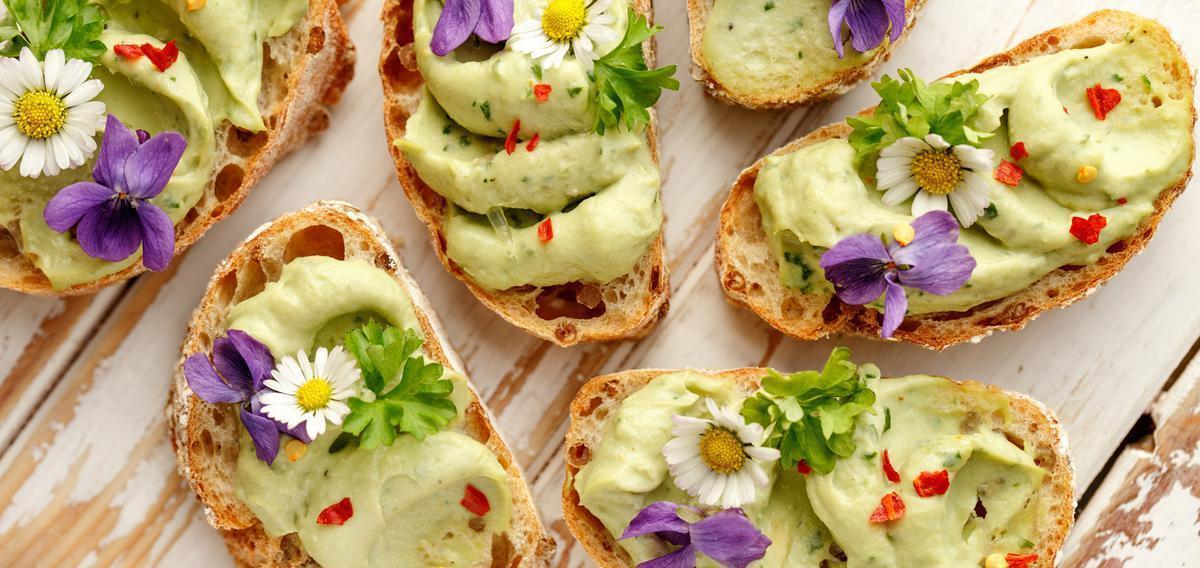 Les fleurs comestibles, des couleurs et des #saveurs dans notre assiette  #tendances #cuisine &gt;&gt;  http:// bit.ly/2nZ4WGP  &nbsp;  <br>http://pic.twitter.com/v6X0QaoRRK