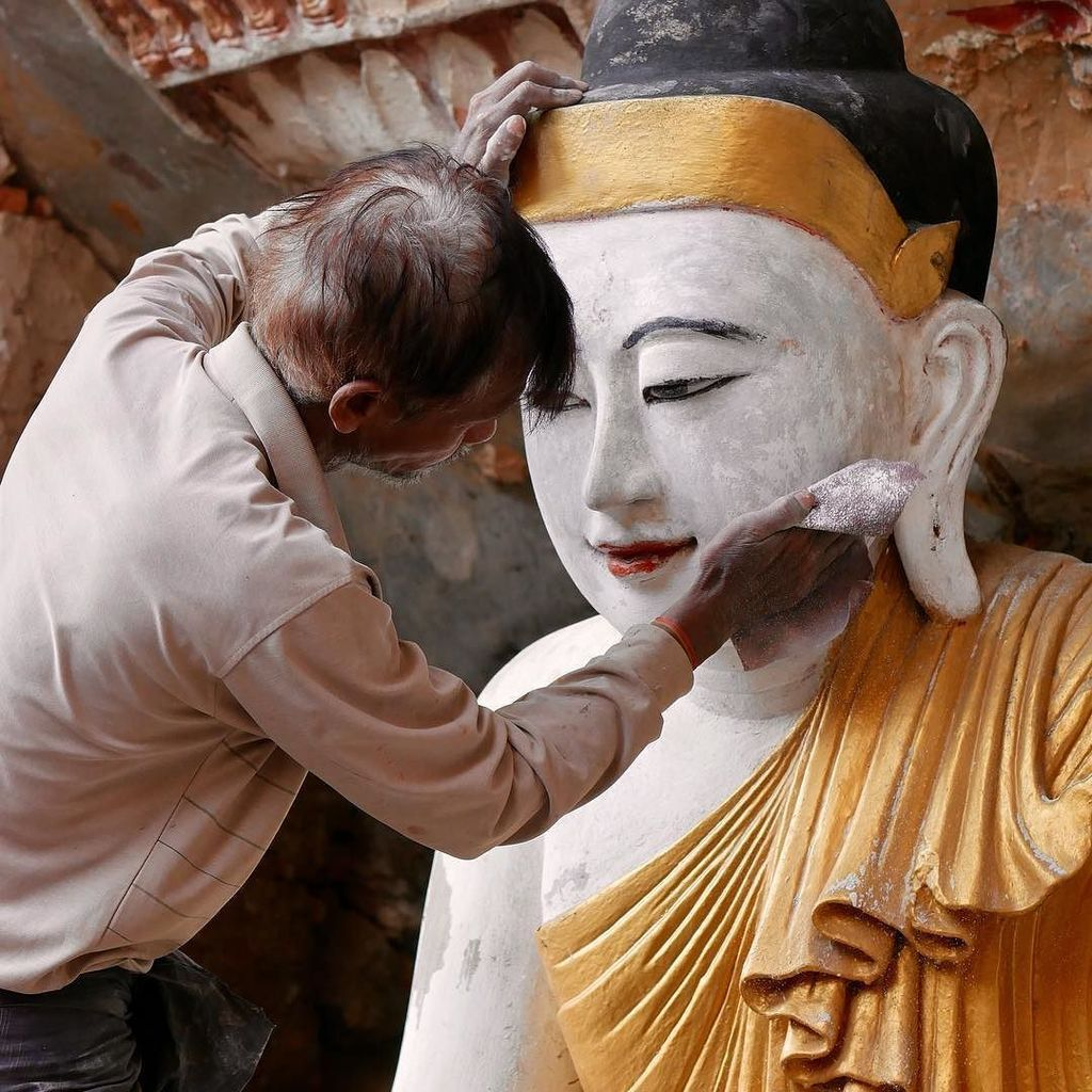 Buddha Maintenance #buddha #temple #myanmar #travelling #hpaan  http:// ift.tt/2neBhJs  &nbsp;  <br>http://pic.twitter.com/dHqy9Hl7aJ